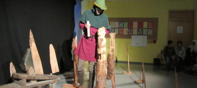 """Patrick Lumma war mit seinem Stück """"Robin Hood"""" am 14.12.2015 bei uns in der Schule"""
